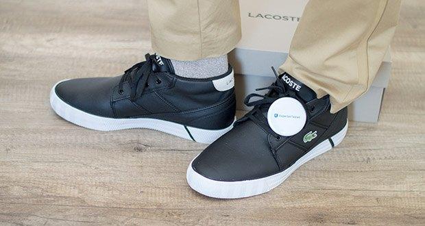 Lacoste Herren-Chukka Boots Gripshot im Test - Premium-Leder wird mit einer vulkanisierten Außensohle kombiniert, mit Fischgrät-Foxing und Colour-Pop Streifen