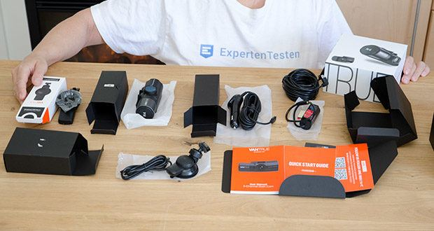 VANTRUE N4 3 Lens Dashcam im Test - Lieferungsumfang:VANTRUE N4 Dashcam, Rückkamera(0.5M), Aufkleber der Rückkamera, Auto-Ladegerät mit Typ-C USB Kabel (3.5M), Rückkamera Kabel(6M), Saugnapfhalterung, Typ-C USB Daten Kabel (1M), Benutzerhandbuch, Kurzanleitung, Garantiekarte