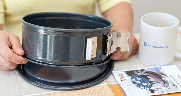 Kaiser La Forme Plus Springform im Test - Material: Antihaftbeschichteter Stahl-Ring, emaillierter Stahl-Boden - schnittfest