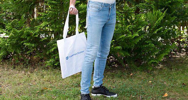 Lee Herren Malone' Jeans im Test - ist vom Oberschenkel bis zum Knöchel hauteng geschnitten