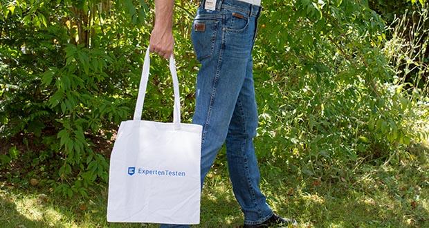 Wrangler Herren Texas Slim Jeans im Test - schmales gerades Bein