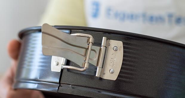 Zenker Springform Ø26cm im Test - die Backformen überzeugen nicht nur mit ihren tollen Funktionen, sondern auch mit der modernen Optik in glänzendem Metallic Schwarz