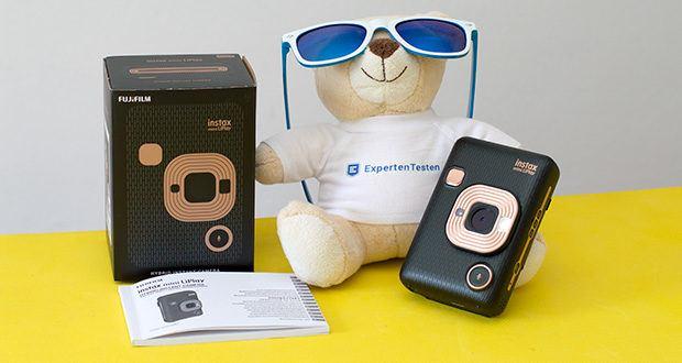 Fujifilm Instax Mini LiPlay Elegant Hybride Sofortbildkamera im Test - die Soundfunktion erstellt eine Audioaufnahme Ihres Moments, wandelt sie in einen QR-Code um und printet diesen auf das Sofortbild