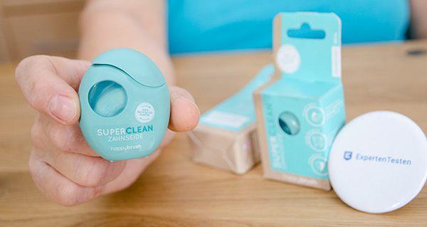 happybrush Zahnseide SUPERCLEAN im Test - vegan und verpackt in einem 100% recycelten Spender (ohne Sichtfenster)