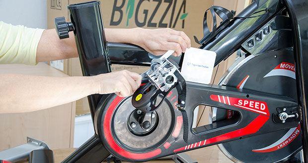 Bigzzia Profi-Heimtrainer mit LCD-Anzeige im Test - Pedalzehenklammern mit Riemen passen für verschiedene Schuhgrößen