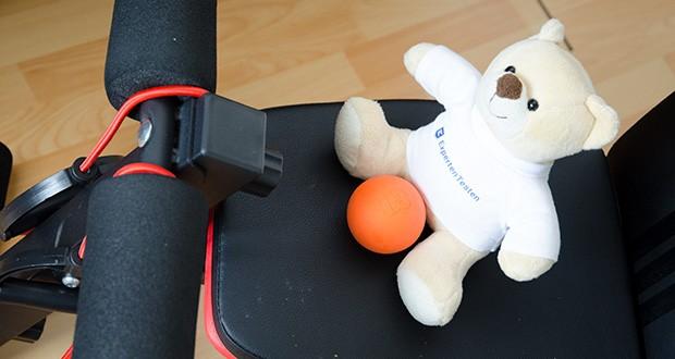 Captain LAX Massageball im Test - kann problemlos überall hin mitgenommen werden, egal ob z. B. in der Sport