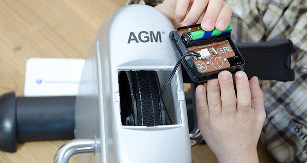 himaly Minibike Handergometer im Test - eine AAA Batterie für LCD-Anzeige einlegen