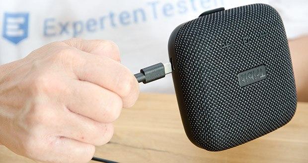 Tribit Stormbox Micro Bluetooth Lautsprecher im Test - die wiederaufladbare Batterie hält bis zu 8 Stunden und verwendet das moderne USB-C-Ladekabel