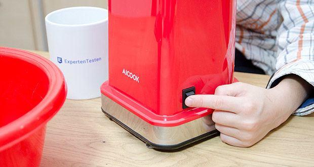 Aicook Popcornmaschine 1400W im Test - Ein/Aus-Schalter erleichtert das Popcorn-Selbermachen