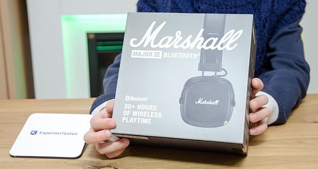 Marshall Major III Bluetooth Faltbar Kopfhörer im Test - verfügt über stromlinienförmige Ohrpolster, schmale Scharniere, ein gerades Kopfband und einen dicken Schleifendraht mit verstärkten Gummidämpfern