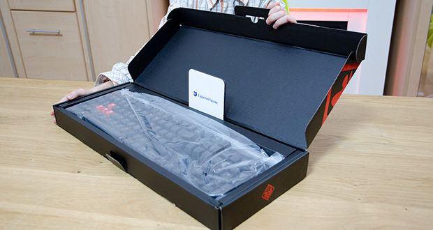 HP OMEN Encoder Gaming Tastatur im Test - Lieferumfang: OMEN Encoder Gaming Tastatur (Cherry MX brown) schwarz
