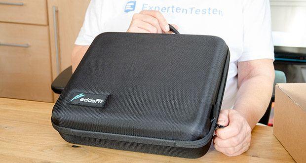 addsfit Massagepistole Max im Test - wird in einer kompakten und stilvollen Tragetasche mitgeliefert, die sie zum perfekten Reisebegleiter und Geschenk für jedermann macht