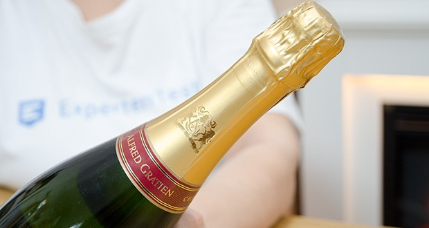 Alfred Gratien Brut Classique Champagner im Test - Servierempfehlung: gekühlt bei 6-8 Grad Celsius servieren