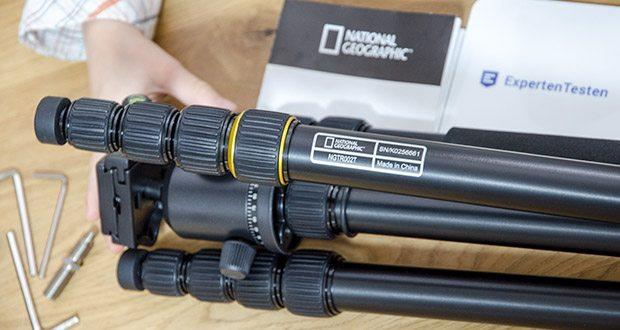 National Geographic Foto-Reisestativ-Set im Test - das Stativ verfügt über Arretierungen für drei Beinwinkel, wodurch es sich vielseitig auf fast jedem Untergrund positionieren lässt, und über fünfteilige Beine mit Drehverriegelung
