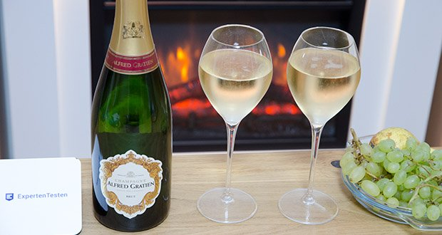 Alfred Gratien Brut Classique Champagner im Test - Geschmack: Aromatische Kraft und Frische von exotischen Früchten