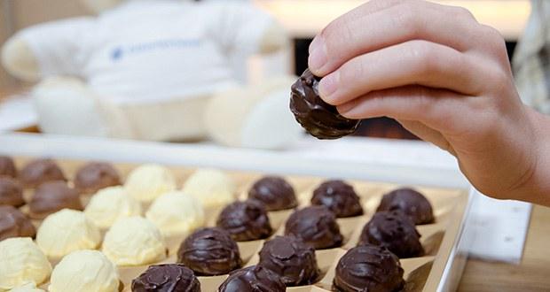 Frey Truffes assortiert Geschenkpackung im Test - die zartschmelzenden Truffes mit verführerischen Füllungen sind sorgsam ausgewählt und werden so höchsten Ansprüchen gerecht