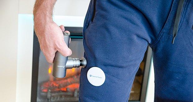 addsfit Massagepistole Mini im Test - kann die kleine Massagepistole von Menschen unterschiedlichen Alters und unterschiedlicher Stärke eingesetzt werden