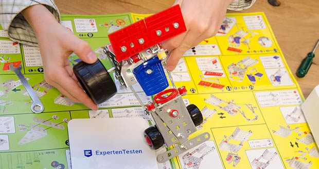 Tronico 5-in-1 Multibaukasten Autos im Test - Zielgruppe: Grundschule - Fördert die Kreativität, die Augen-Hand-Koordination, sowie Motorik