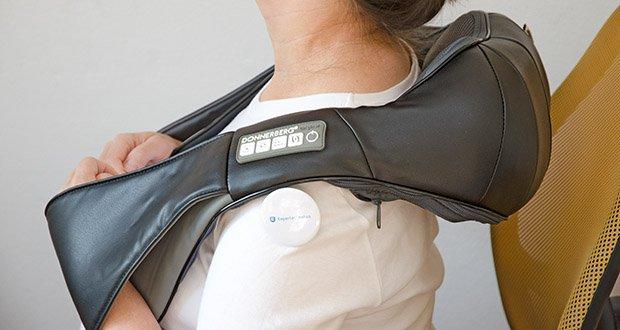 Donnerberg Nackenmassagegerät Premium NM089 im Test - erfolgt die Massage mit seinen 8 flexiblen Massageköpfen, in 3 einstellbaren Geschwindigkeiten und 2 Drehrichtungen