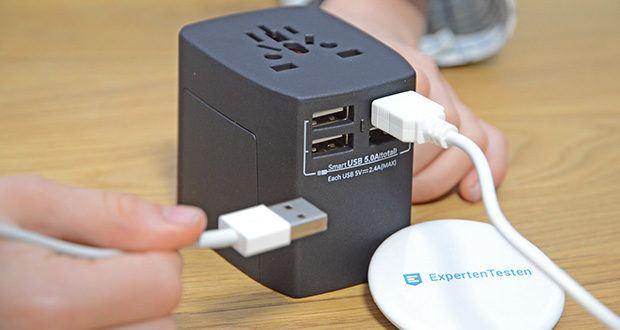 Welt-Reiseadapter mit 4x USB-Ladegerät im Test - die USB-Ladebuchsen haben eine Ausgangsspannung von 5V (±5%)