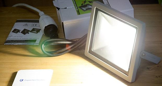 Chilitec LED-Fluter SlimLine CTF-SLT30 im Test - Ein/Aus 15.000x, Leuchtdauer 20.000 Std.