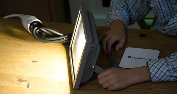 Chilitec LED-Fluter SlimLine CTF-SLT30 im Test - Lichtfarbe neutralweiß, Farbtemperatur 4000K