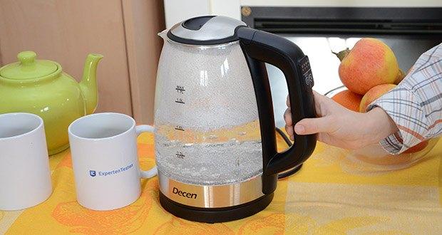 DECEN Glaswasserkocher mit Temperatureinstellung im Test - mit einem Fassungsvermögen von insgesamt 1.7 Litern kann der elektrische Wasserkocher problemlos bis zu 8 Tassen heißes Wasser innerhalb weniger Minuten bereitstellen