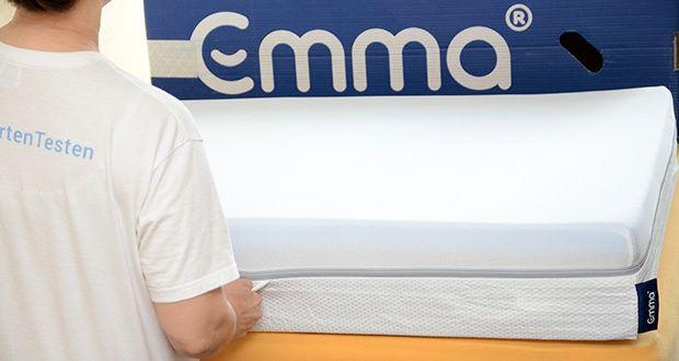 Emma Two Matratze 90x200cm im Test - in untere Schicht befinden sich nämlich spezielle Einschnitte, die sich individuell an Deine Körperkonturen anpassen können – vor allem im Becken- und Schulterbereich