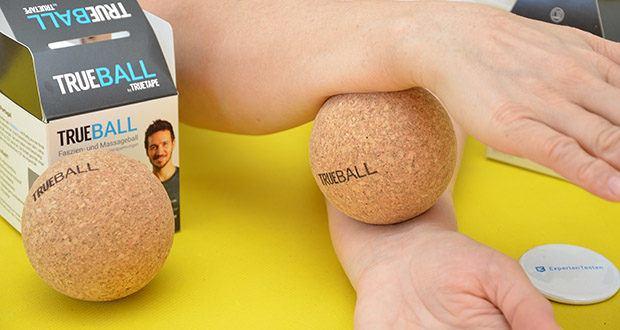 Truetape Trueball Faszienball im Test - nimm dein Faszientraining in die eigene Hand und massiere dich zu Hause selbst bei schmerzhaften Verspannungen oder Triggerpunkten