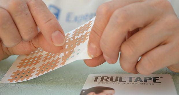 Truetape Crosstapes Pflaster im Test - Größe S: Perfekt für die Anwendung bei Kindern oder am Kopf, Hals, Händen und Füßen bei Erwachsenen