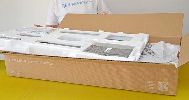 Samsung M5 Smart Monitor 32 Zoll im Test - Produktabmessungen: 71.61 x 51.7 x 19.35 cm; Gewicht: 6.2 kgSamsung M5 Smart Monitor 32 Zoll im Test - Produktabmessungen: 71.61 x 51.7 x 19.35 cm; Gewicht: 6.2 kg