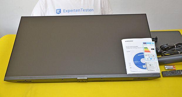 Samsung M5 Smart Monitor 32 Zoll im Test - schlankes, schmales Design, randlos an 3 Seiten