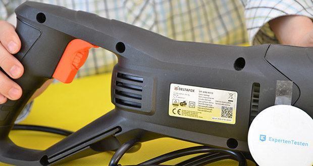 Deltafox Elektro Säbelsäge DP-ERS 8010 im Test - das vordere Ende mit rutschsicherem Soft-Grip ausgestattet