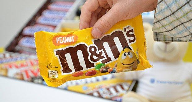Mars Mixed Box Schokoriegel im Test - M&M's Peanut: Zutaten / Inhaltsstoffe: Zucker, Erdnüsse, Kakaomasse, Magermilchpulver, Milchzucker und Milcheiweiß, Pflanzenfett, Kakaobutter, Butterreinfett, Stärke, Glukosesirup, Emulgator (Sojalecithin), Geliermittel (Gummi arabicum), Farbstoffe (E100, E120, E133, E160e, E171), Dextrin, Überzugsmittel (Carnaubawachs), Aromen, Salz, Pflanzenöl