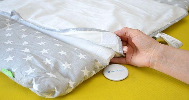 LULANDO Wickelauflage im Test - die Bezüge werden mittels Klettverschlüsse an der Wickelauflage befestigt und sind somit besonders gut fixierbar