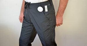 Amazon Essentials Herren Pants Schwarz im Test - verfügt über einen klassischen Look, der sich von Wochentag zu Wochenende umschaltet, ohne einen Beat zu verpassen