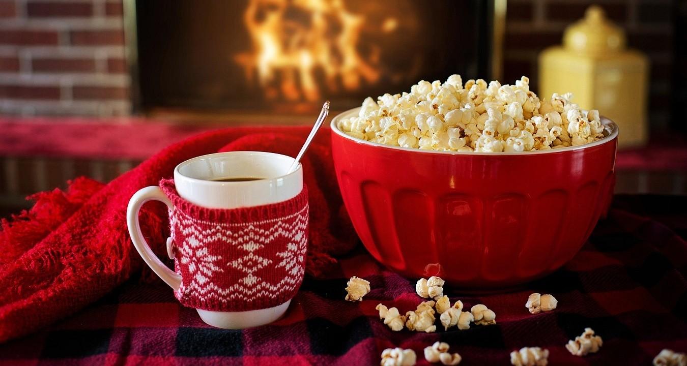 Popcorn darf sowohl im Kino, als auch Zuhause bestimmt nicht fehlen