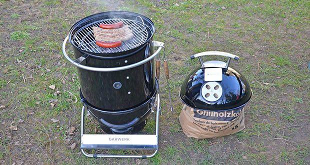 GARWERK Smokey Sam Junior im Test - als Smoker-Grill-Kombi-Gerät ist das klassische Holzkohlegrillen mit ihm genauso möglich: Wasserschale raus, Holzkohlenschale rein