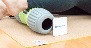 Die Dämpfung und der Grip einer Yogamatte im Test und Vergleich
