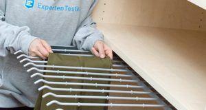 Was ist die Geschichte zu dem Kleiderschrank aus dem Test und Vergleich?