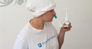 Was ist die Geschichte der Nasendusche im Vergleich?