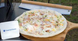 Wie läuft die Handhabung des Pizzastein im Test?