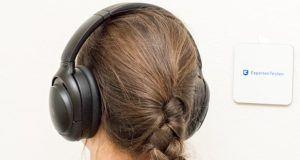 Wie funktioniert die kabelgebundene Signalübertragung bei Kopfhörern im Test?