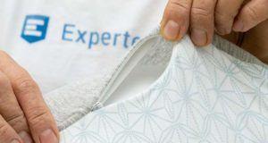 Was sind die besten Praxistipps für die Reinigung und Pflege eines Stillkissens?