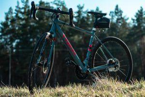 Was ist ein Gravel Bike Test und Vergleich?