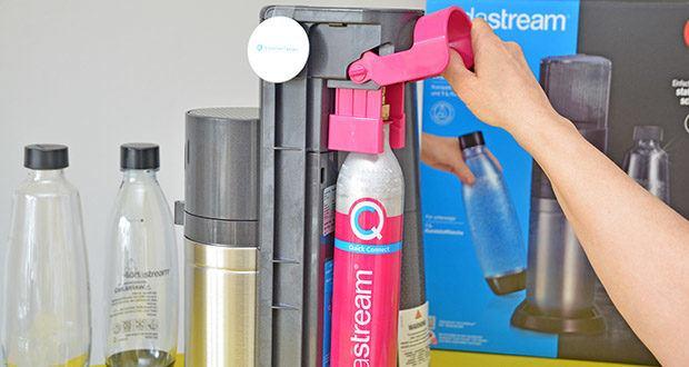 SodaStream Wassersprudler DUO im Test - einfach einsetzen, Zylinderhebel schließen - und fertig