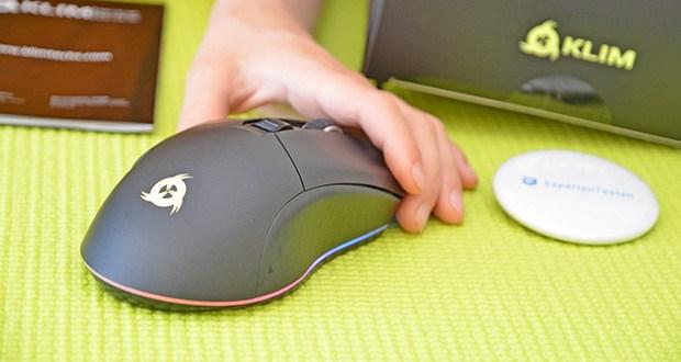 KLIM Blaze kabellose RGB Gaming Maus im Test - Ihre matte Oberfläche kontrastiert mit der hellen RGB-Beleuchtung um die Basis der Maus