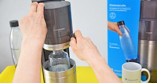 SodaStream Wassersprudler DUO im Test - das Sprudelwasser kann auch mit Sirup geschmacklich verfeinert werden