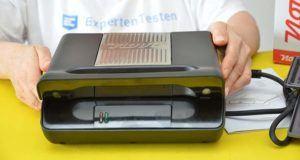 Beim Leistungstest des Kontaktgrills wird auf Temperatur und Funktionen getestet