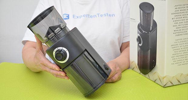 Tchibo Elektrische Kaffeemühle Einsteigermodell im Test - Material: Edelstahlbehälter, Kunststoffgehäuse